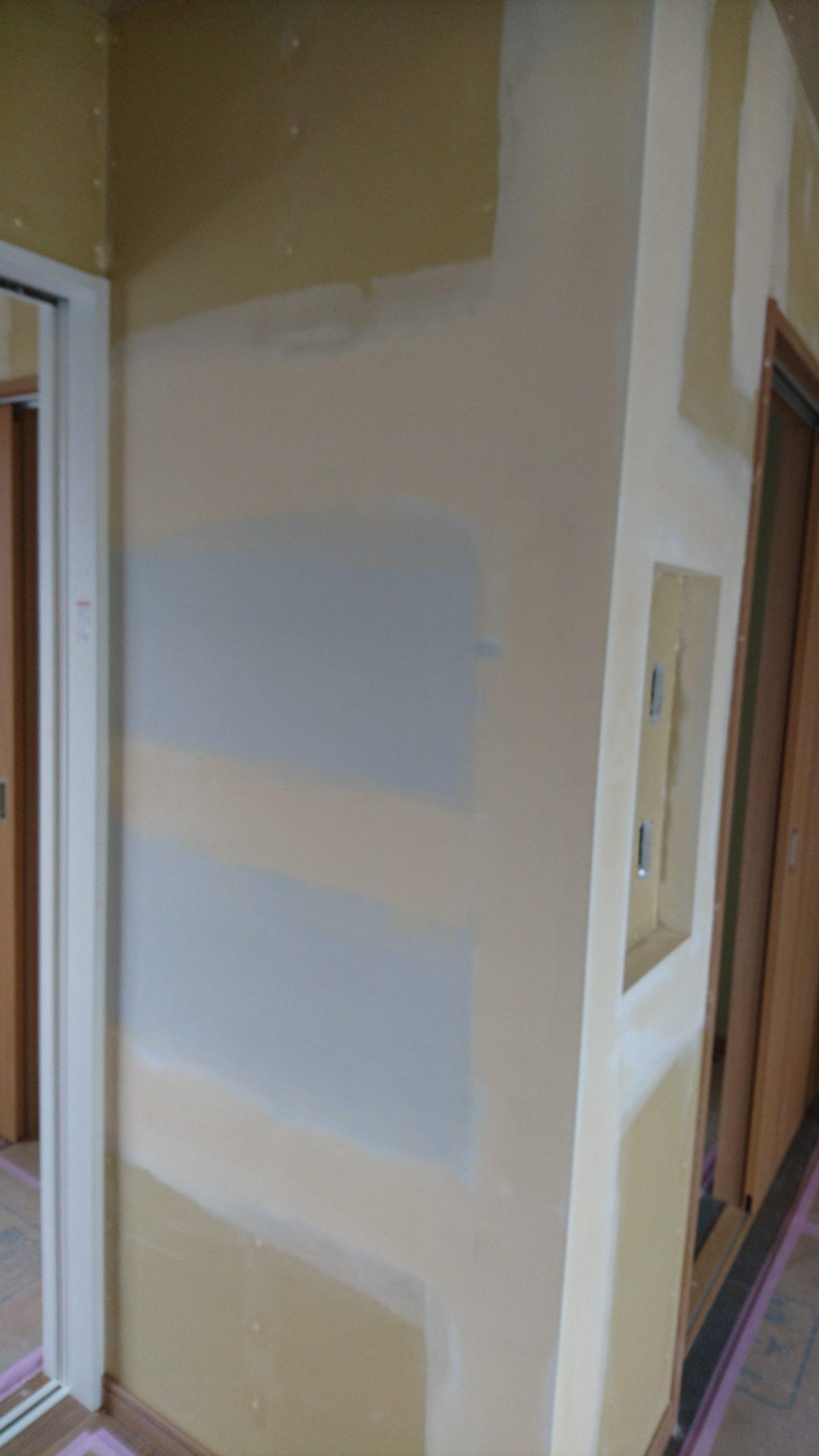 マグネットが使える壁紙 ハウジングアイ 水戸市の新築住宅 リフォーム 増改築 損害保険
